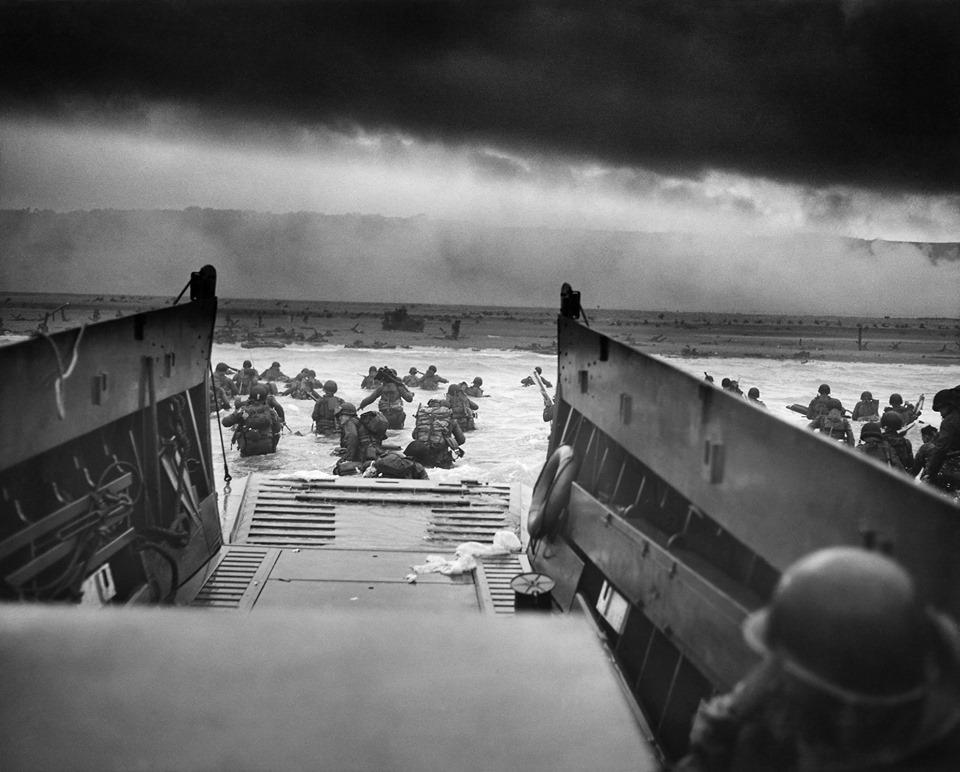 วันดีเดย์ (D-Day) การยกพลขึ้นบนบกชายหาดนอร์ม๊องดี ประเทศฝรั่งเศส