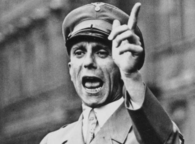 โยเซ็ฟ เกิบเบิลส์ผู้อยู่เบื้องหลังโฆษณาชวนเชื่อ (Propaganda) ของพรรคนาซีเยอรมัน